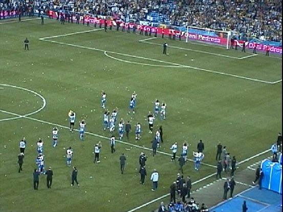 Our players reached to applaud to the R. Zaragoza supporters